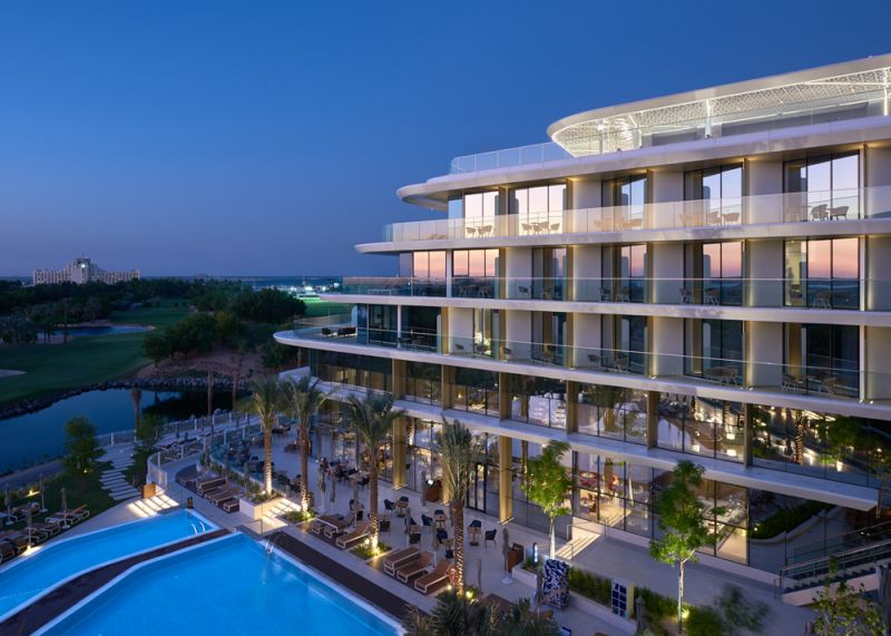 5-star JA Lake View Hotel welcomes its first guests